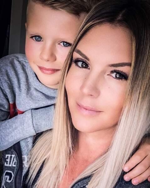 Selfie mère-fils pour Amélie Neten et Hugo.