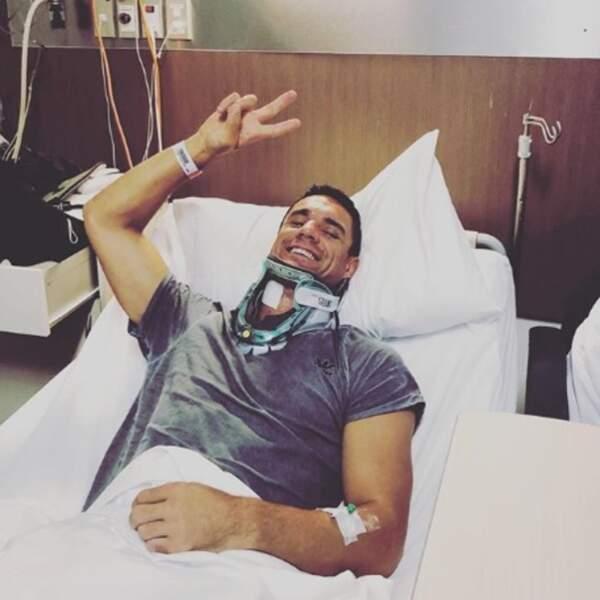 Le rugbyman Dan Carter s'est fait opérer de la nuque et va bien.