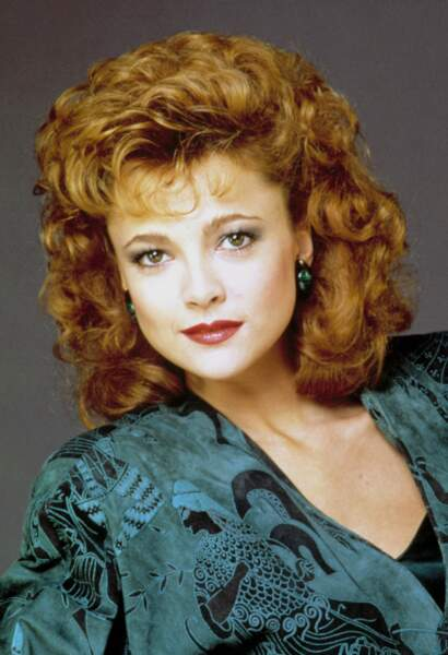 Emma Samms a incarné Fallon Carrington Colby, à partir de 1985. Elle a succédé à Pamela Sue Martin.
