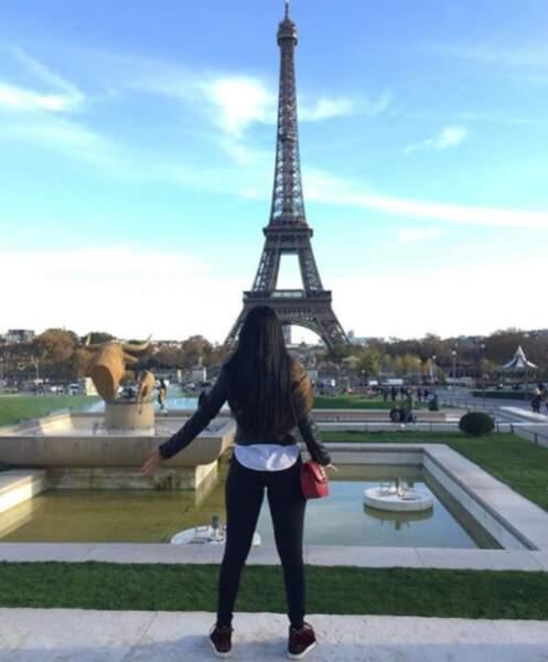 En 2015, elle était Paris. Pas sûr que ce cliché d'elle pris devant la Tour Eiffel plaise aux Marseillais !