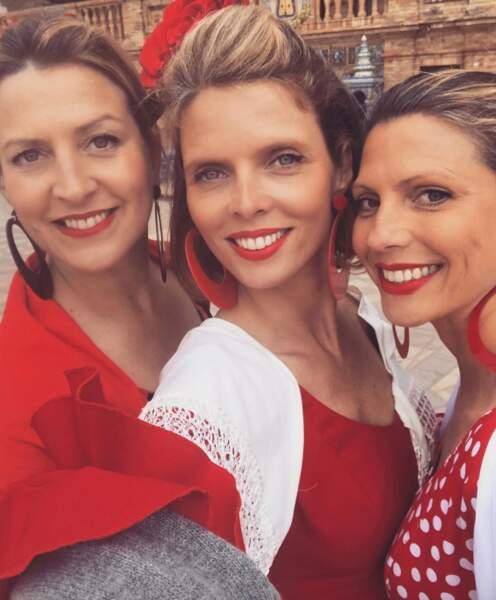 Sylvie Tellier a posé avec ses sœurs, Stéphanie et Anne-Sophie.