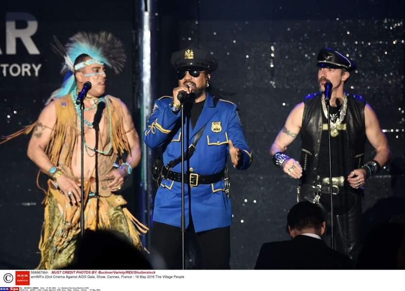 Et les Village People sont montés sur scène !!!
