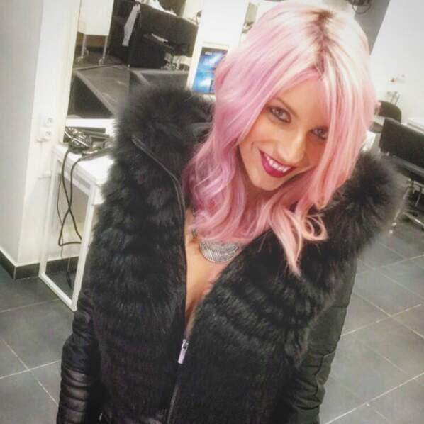 Nadège Lacroix des Anges 8 a changé de couleur de cheveux.