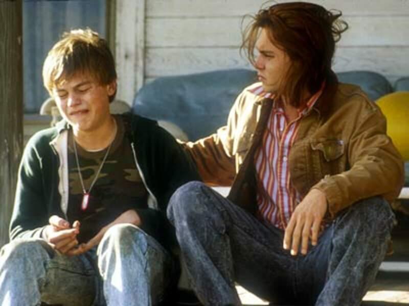 Toujours en 1993, Leonardo DiCaprio crève l'écran dans Gilbert Grape aux côtés de Johnny Depp