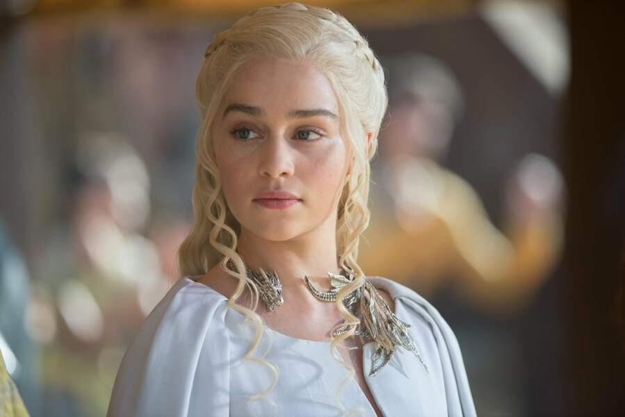 D'autres acteurs de la série ont aussi un pied dans le cinéma. C'est le cas d'Emilia Clarke (Daenerys Targaryen).