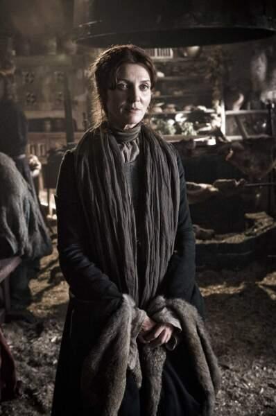 Catelyn Stark (Michelle Fairley) : Et sûrement pas pour la belle-mère ! (Saison 3, épisode 9)