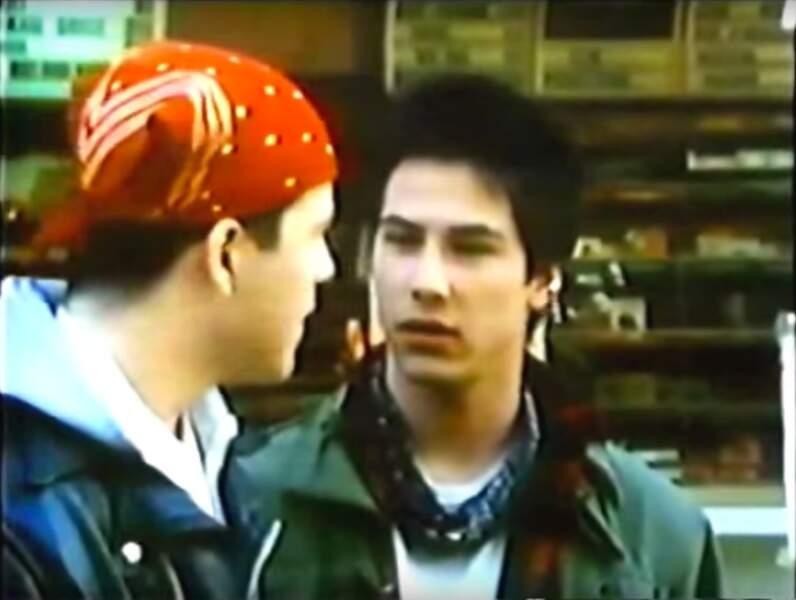 À 21 ans, Keanu Reeves fait ses premiers pas d'acteur dans le court métrage One Step Away (1985)