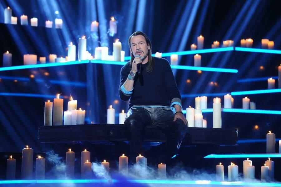 Quand Florent Pagny se réchauffe à la lueur des bougies...