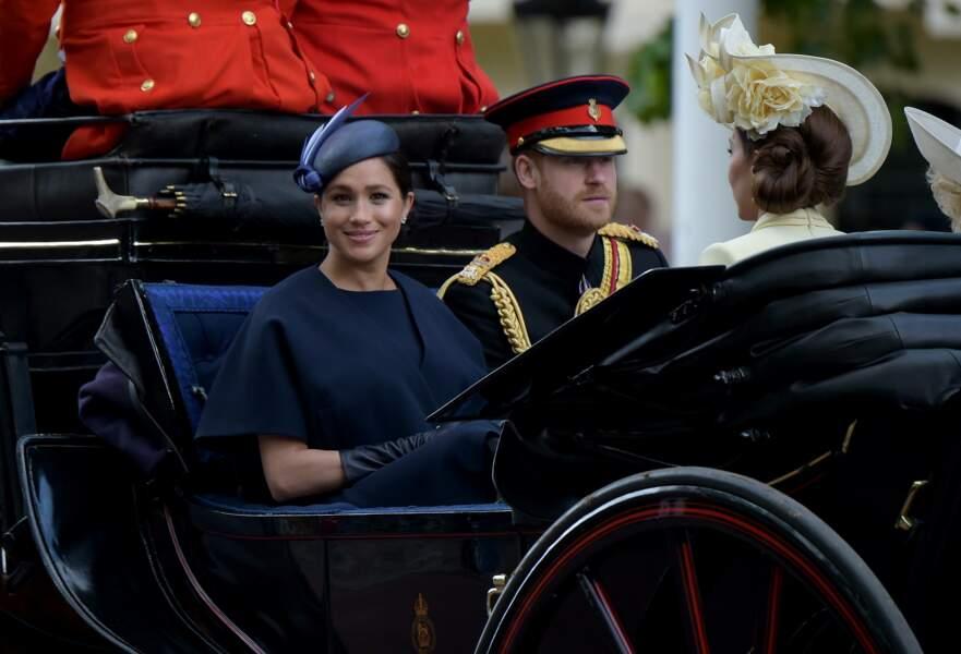 Meghan Markle radieuse aux côtés du prince Harry pour sa première sortie officielle depuis la présentation d'Archie