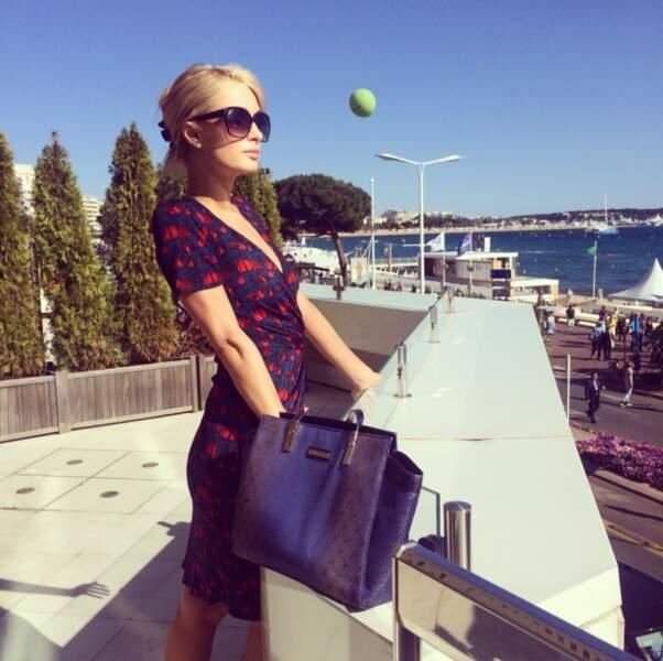 Paris Hilton, la jet-setteuse est, elle aussi, venue prendre un peu de soleil à Cannes
