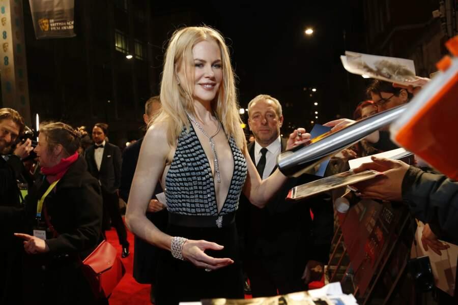 Quant à Nicole Kidman (Lion), elle signait des autographes avec le sourire