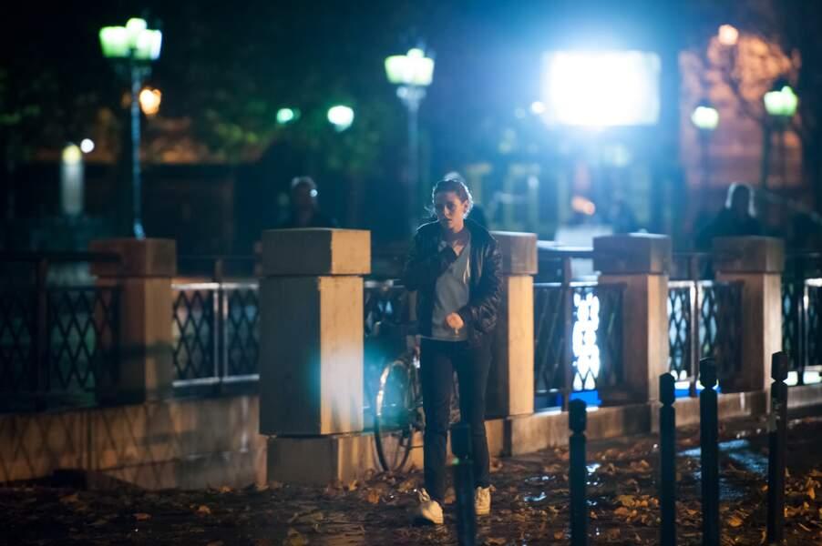 Le tournage, intense, se poursuit même en nocturne.
