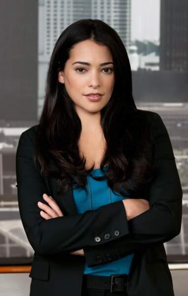 La télévision lui fait aussi les yeux doux. Natalie a joué dans plusieurs séries. Ici dans Detroit 1-8-7 en 2010