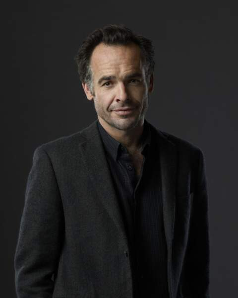 Paul Blackthorne alias l'inspecteur Quentin Lance dans Arrow