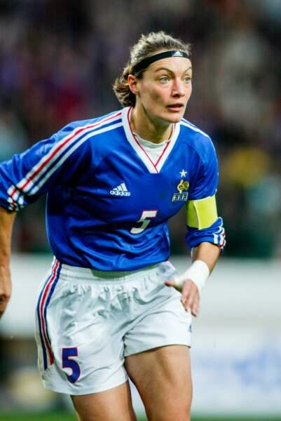 Corinne Diacre a été la première consultante télé (pour Téléfoot) des Bleues qu'elle coache aujourd'hui