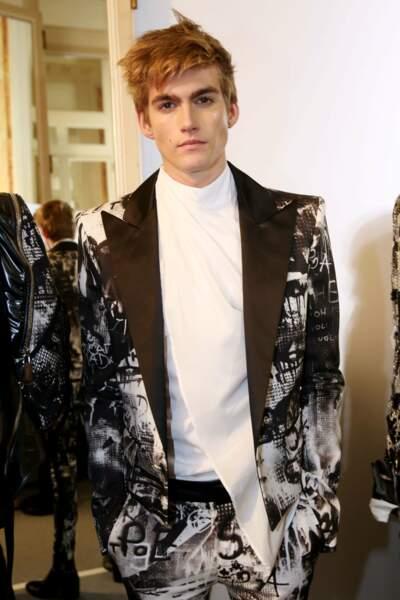 Presley Gerber, le grand frère de Kaia, a aussi un physique idéal pour porter de la haute couture.