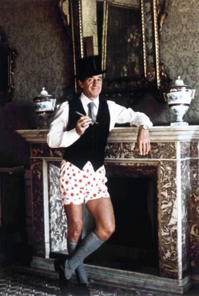 1980 : dans Le Guignolo, il va se retrouver entrainé dans une aventure rocambolesque. réalisé par Georges Lautner