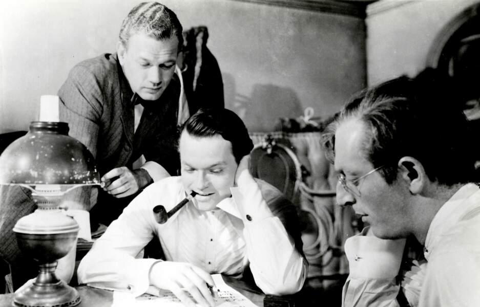 Dans Citizen Kane (1941), Orson Welles incarne Charles Foster Kane, un magnat des médias inspiré de W.R. Hearst