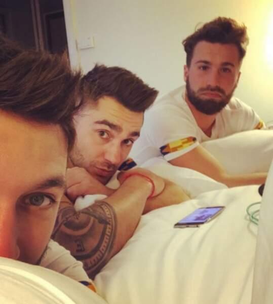 Les trois Kohpains, Bastien, Corentin et Sandro, au réveil au lendemain de la projection