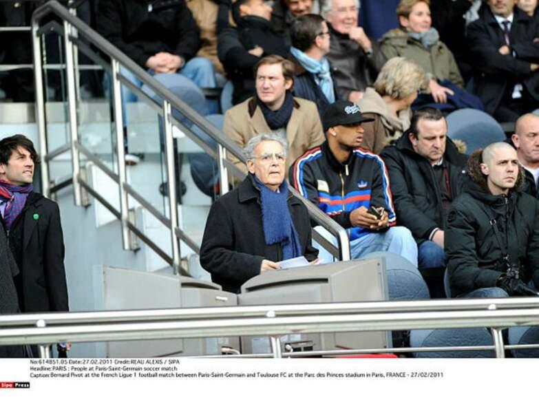 Bernard Pivot a écrit des livres sur l'AS Saint Etienne et est un grand supporter de l'OL et du PSG aussi