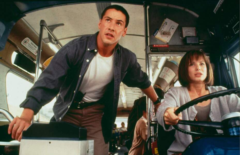 Aux côtés de Sandra Bullock, Keanu Reeves s'affirme et conquiert le box office dans Speed (1994)