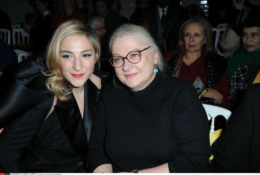 Autre duo mère-fille, au premier rang : Marilou Berry et Josiane Balasko