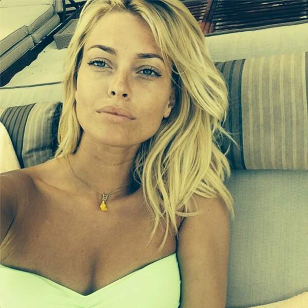 ... et un petit selfie en bikini. Si vous n'avez pas de vacances cet été, ne suivez pas son compte Instagram.