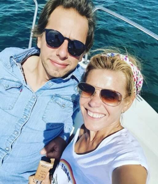 Eux aussi étaient sur un bateau : Laura Tenoudji et Brian, au large de la Bretagne.