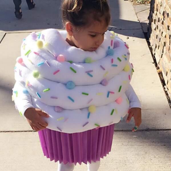 Sebella, la fille de l'actrice de Roselyn Sanchez (Devious Maids) était un gros cupcake.