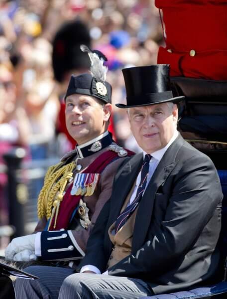 Les princes Andrew et Edward étaient évidemment là pour célébrer leur maman