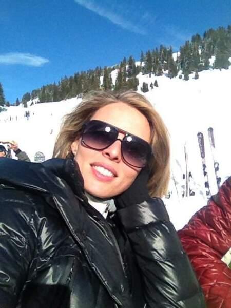 Moins original mais tout aussi bon pour le teint : le ski ! Une option privilégiée par Sylvie Tellier