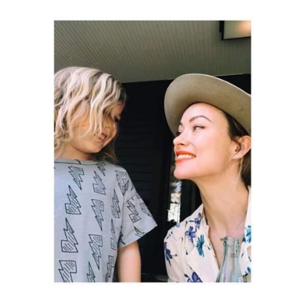 La complicité mère-fils illustrée en un selfie d'Olivia Wilde.