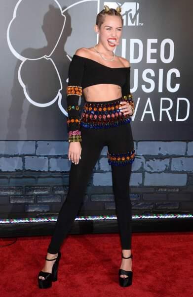 Miley, on ne veut pas dire mais... CHANGE DE STYLISTE !!!!!