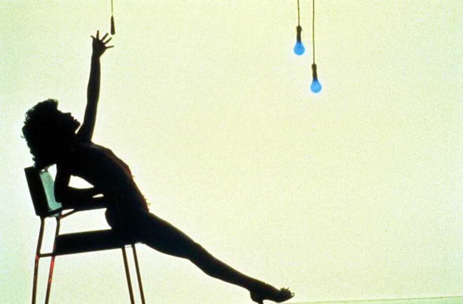 Le plus mouillé : Jennifer Beals, ouvrière le jour, gogo danseuse la nuit, mouille le maillot dans Flashdance.
