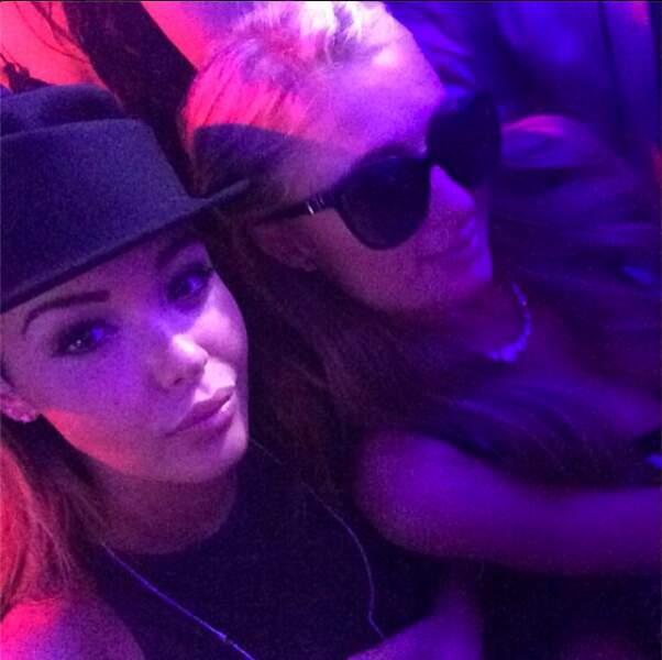 En soirée, elle a joué les stars avec Paris Hilton