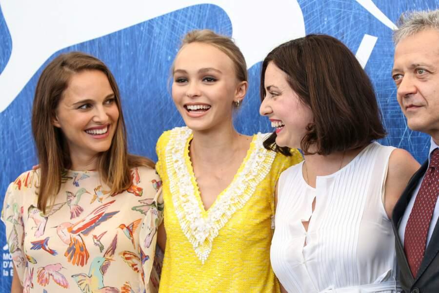 Natalie Portman, Lily-Rose Depp, complices lors de la présentation de Planetarium