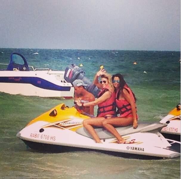 Malika Ménard en jet-ski ! Comptait-elle regagner Paris par la mer ?