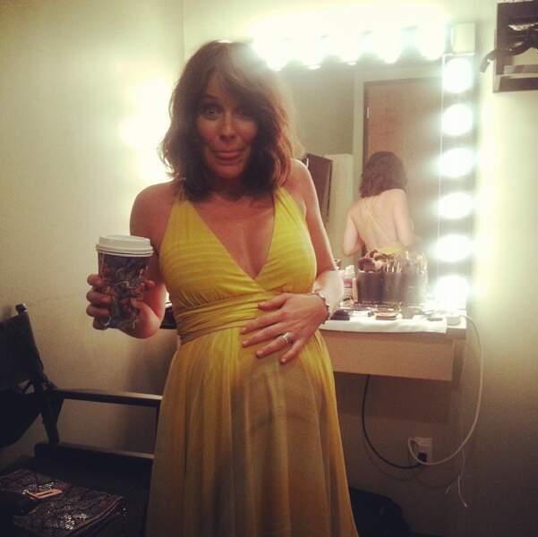 Oui, vous l'aurez compris, l'actrice est bel et bien enceinte... Accouchement imminent !