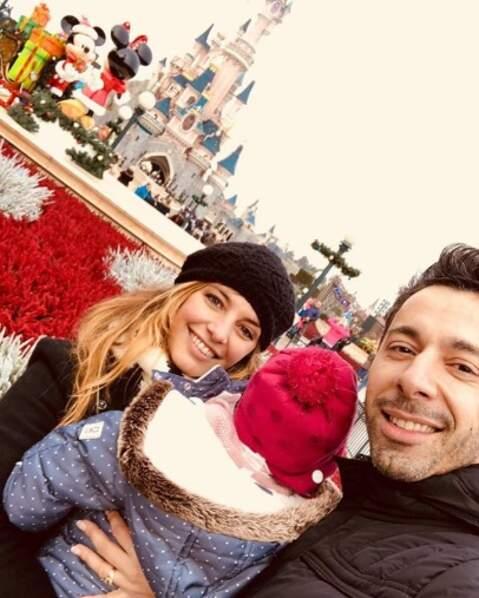 Laetitia Milot, son mari Badri et leur fille Lyana ont passé du bon temps chez Mickey.
