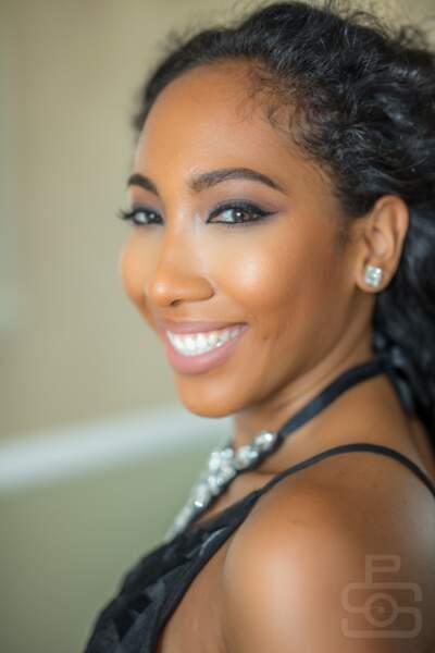 Kristin Amaya pour les Îles Caïman