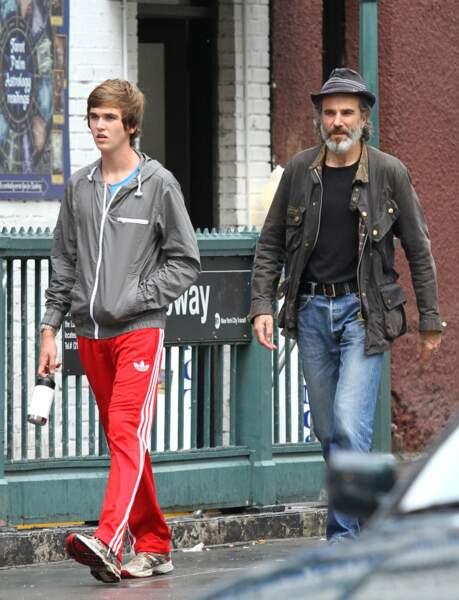 Fils de Daniel Day-Lewis et d'Isabelle Adjani, il a aujourd'hui 21 ans