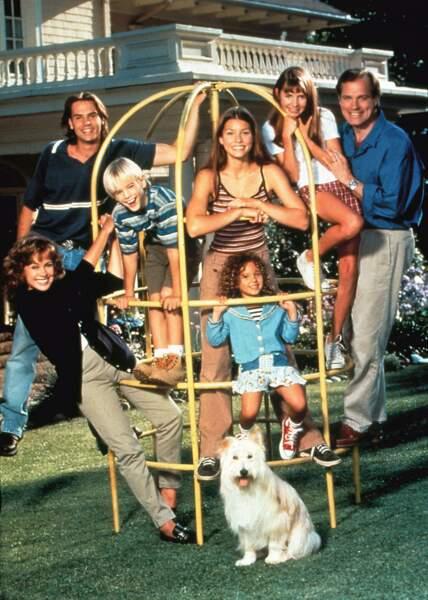 Dans la première saison, les Camden étaient... 7 à la maison, plus le chien