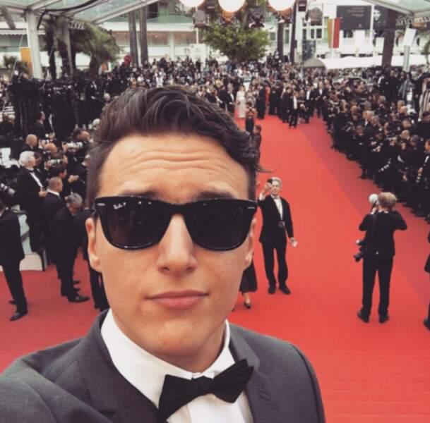 Énormément de changements en 5 ans Hugo tout seul ! Le voici en train de monter les marches de Cannes