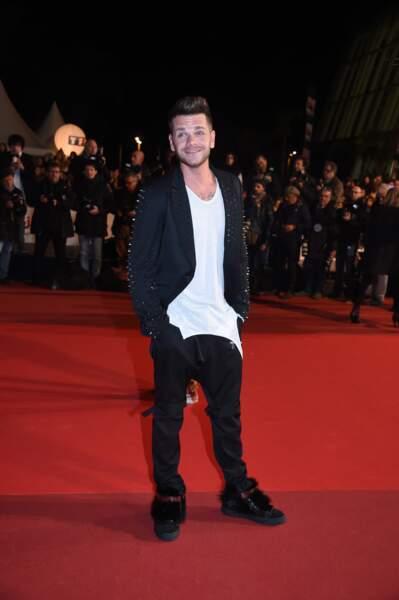 Keen'V sur le tapis rouge des NRJ Music Awards. Le chanteur est reparti avec aucun prix.