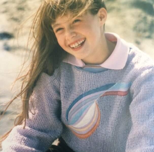 Cette petite fille souriante, star de plusieurs fictions des années 1990, se bat aujourd'hui contre la maladie