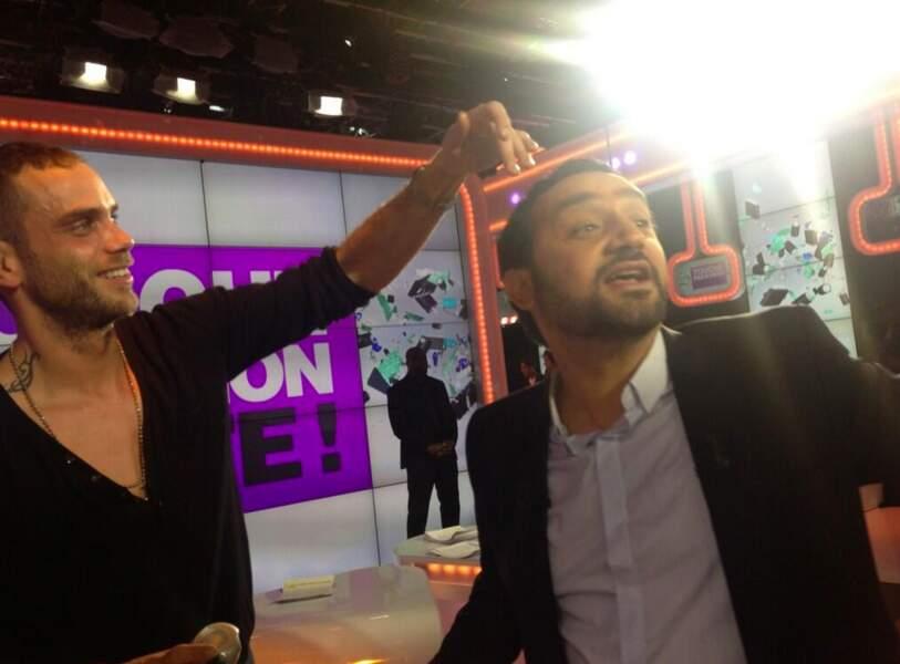 Heureusement que Cyril Hanouna a un coiffeur pour venir à bout des cheveux récalcitrants