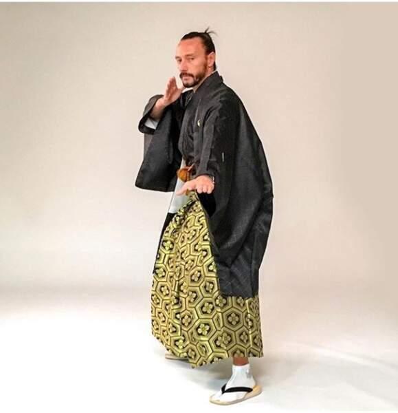 Bob Sinclair a la tenue parfaite pour visiter le Japon !