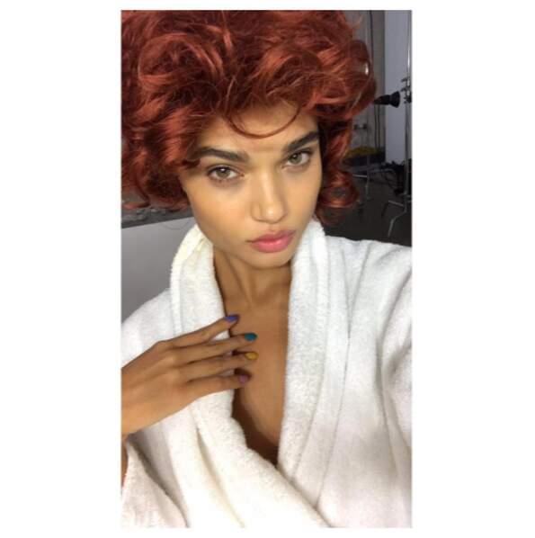 La top-model Daniela Braga pour du roux (mais on la suspecte de porter une perruque).