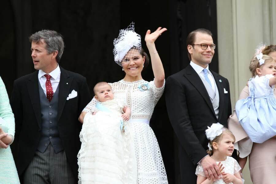 Et son parrain, le futur roi du Danemark : Frederick (à gauche)
