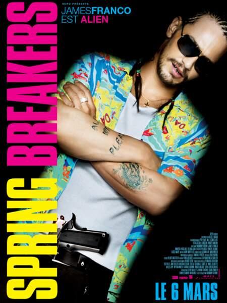 Affiche de Spring Breakers avec... bon bah là c'est James Franco qui joue au gros dur